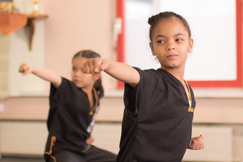 Kinder Kung Fu - Blick seitlich