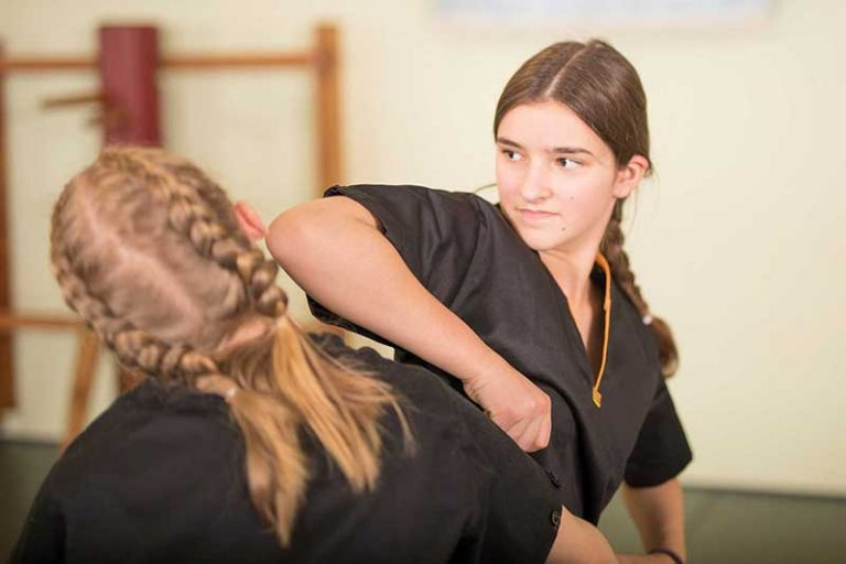 Jugend Selbstverteidigung - Ellenbogenschlag