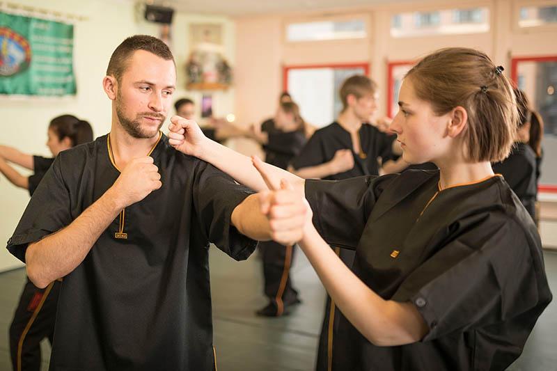 Wing Chun Abwehr auf Faustschlag